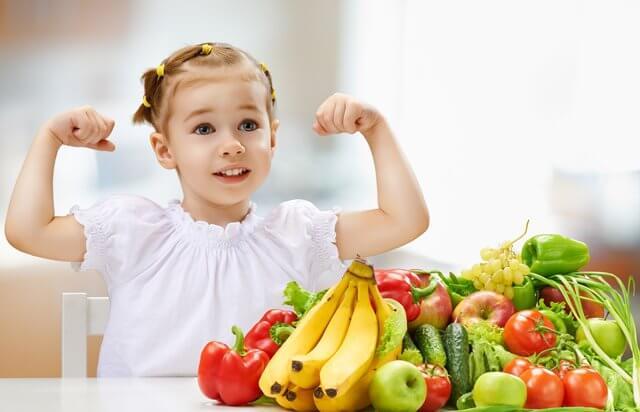 Mituri despre alimentația copiilor preșcolari și o invitație cadou la un workshop de nutriție